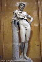 Отдыхающий сатир. Скульптура