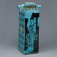 Керамика с бледно-голубой глазурью